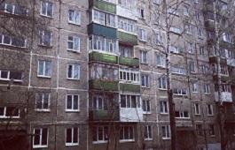 Замена подъездных межэтажных окон в доме по адресу ул. Ким,15