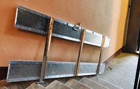 Установка откидного пандуса в доме по адресу ул. Свободы, 15