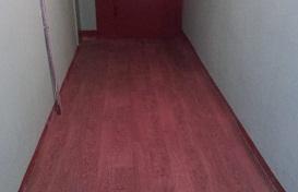 Укладка линолеума в доме по адресу ул. Хрустальная, 32