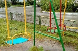 Ремонт элементов детской площадки по адресу ул. Целинная, 11
