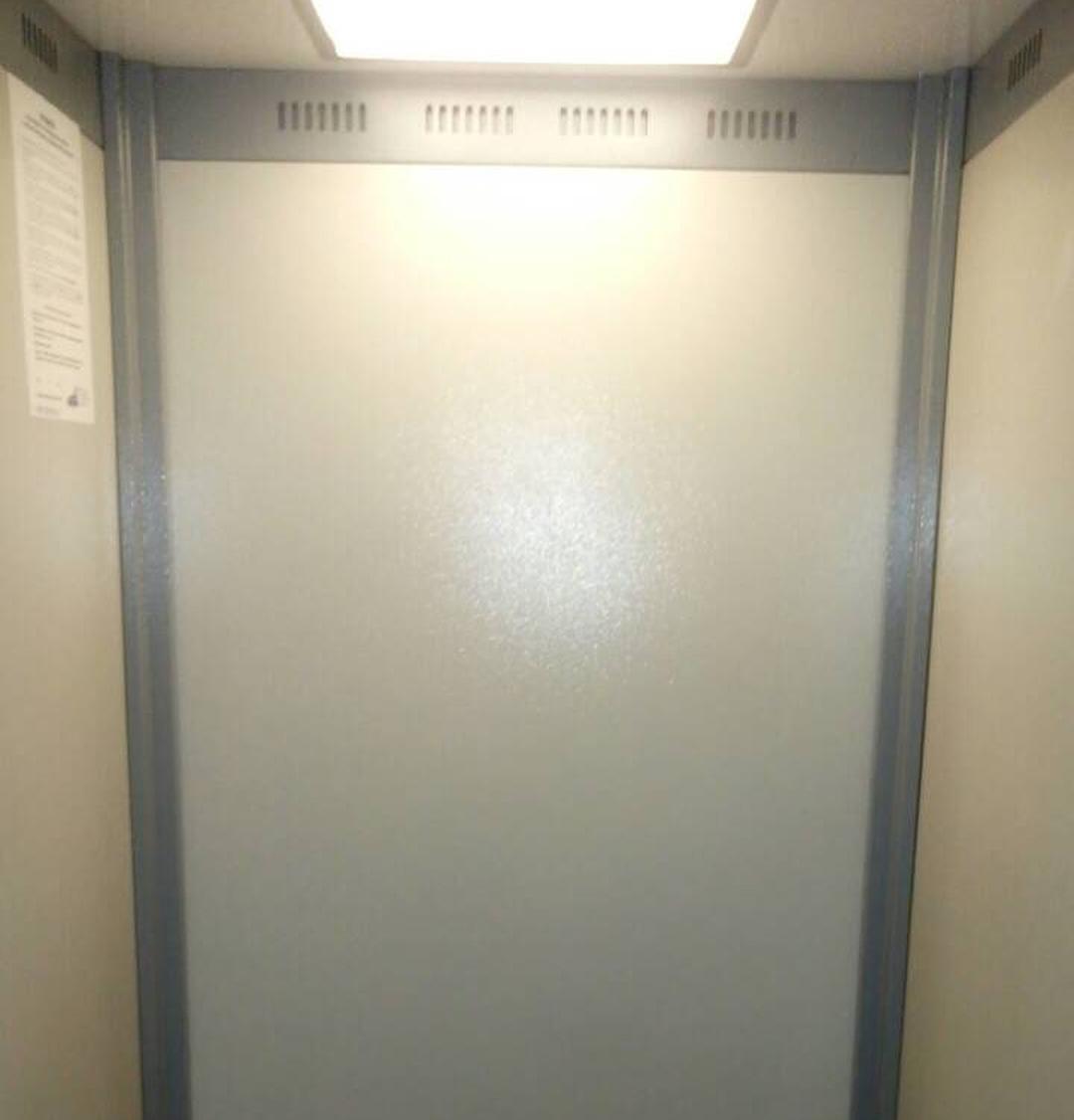 Капитальный ремонт лифта. Замена обшивки кабины
